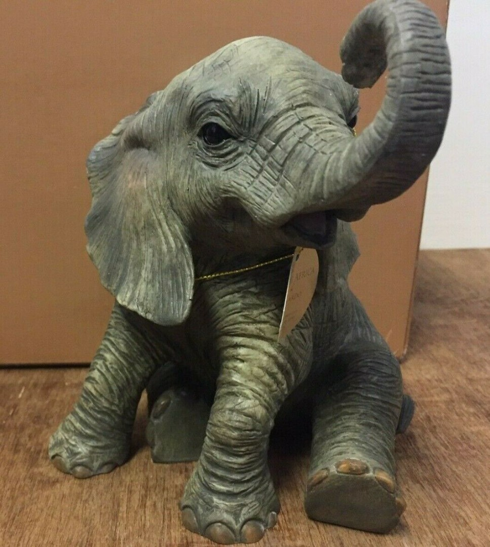 Leonardo African Elephant Mother /& Calf Figurine Resin Wild Animal in Box